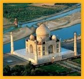 Vue aérienne sur le Taj Mahal à Agra Uttar Pradesh