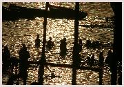 Voyage en Inde, balade sur le Gange pour assister aux cérémonies inclu dans votre circuit en Inde